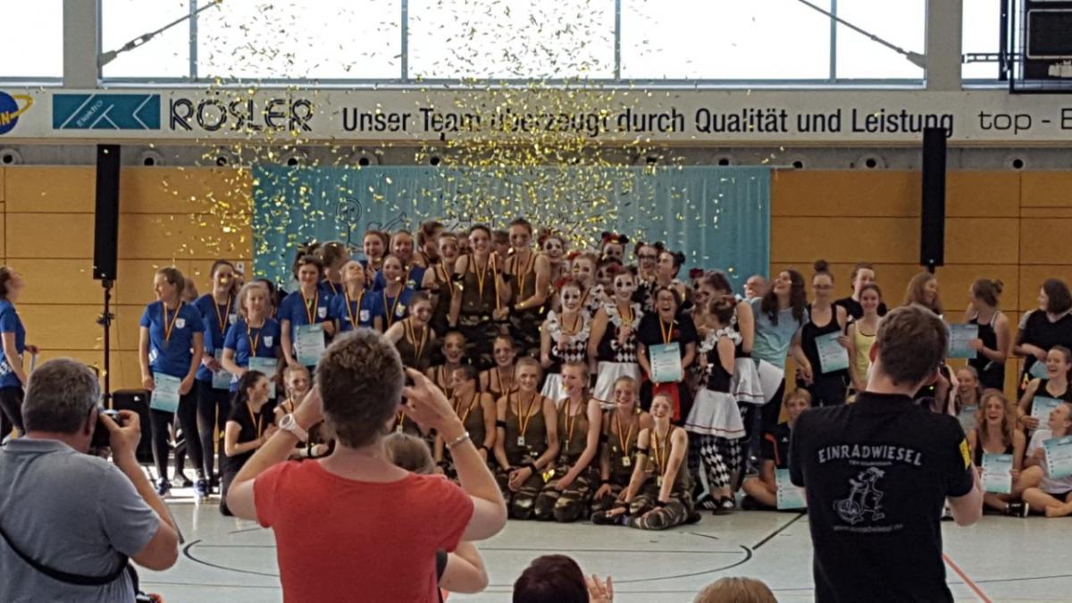 TSV Einrad DM 2018 Siegerehrung Harlekin