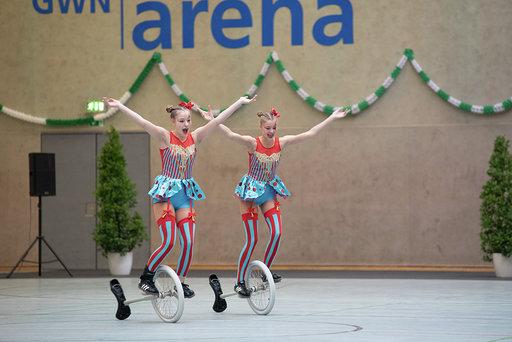TSV Dudenhofen Paarkür Meike und Sonja Rath