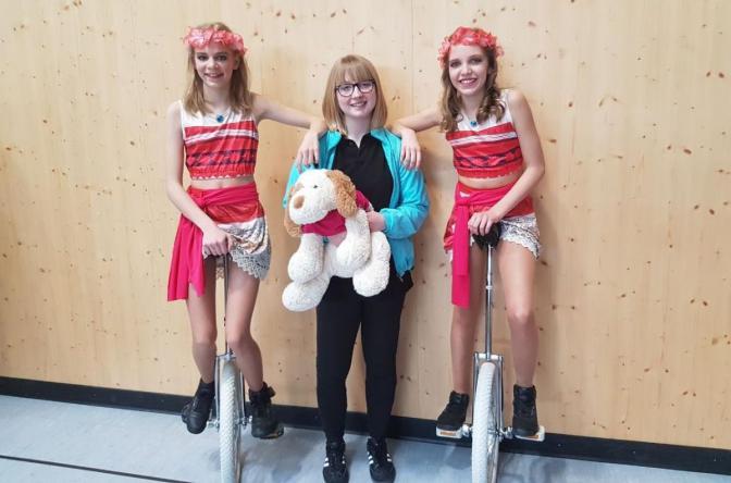 Einradtag Stuttgart Lara Trainerin Vanessa und Nele